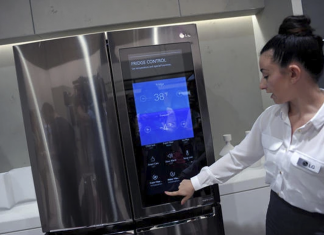 ตู้เย็นอัจฉริยะจากแอลจีที่เคยนำมาจัดแสดงในงาน IFA 2016 ภาพจากรอยเตอร์